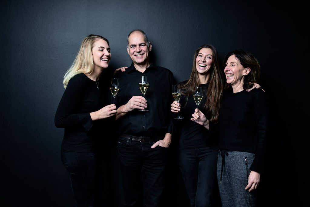 Heide-Rose and Volker Raumland with their 2 Daughters Marie-Luise and Katharina