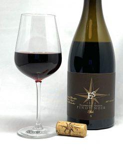 Ellermann-Spiegel Pinot Noir Goldkapsel trocken 2016 mit Glass